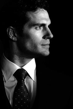 Henry Cavill. IE THE Man of Steel !