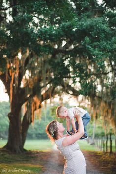 A momma and her boy | Central Florida Family Photography with Caroline Maxcy Photography (www.carolinemaxcy.com) #goldenhour #centralflorida #famlies