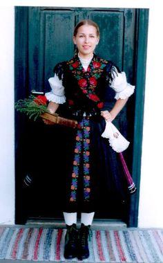 Folk Costume, Costumes, Folk Dance, Anna, Victorian, Handkerchiefs, Beautiful, Dresses, Fashion