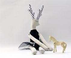 Cervo Girl Doll bambola di cervo nero Handmade di thedollsunique