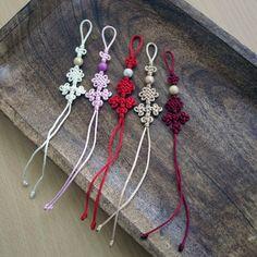 Korean traditional ornament Norigae miniature Brooch - Multicolor satin(nylon) cord with metallic bead ball - It will be shipped in Crochet Flower Patterns, Crochet Flowers, Korean Crafts, Korean Accessories, Decorative Knots, Diy Braids, Korean Traditional, Crochet Diagram, Diy Arts And Crafts