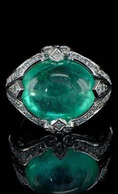 Art Deco jumbo Columbian emerald and diamond rare ring