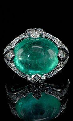 Art Deco jumbo Columbian emerald and diamond rare ring