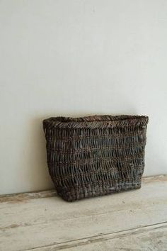 the poetry of material things Old Baskets, Wicker Baskets, Willow Weaving, Basket Weaving, Japanese Bamboo, Japanese Aesthetic, Vases, Wabi Sabi, Decoration