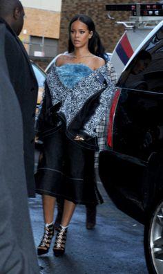 Fashion week automne-hiver 2015-2016 : Rihanna, au défilé Adidas x Kanye West