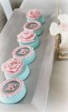 Bon Goût Party 's Baptism / Vintage roses - Photo Gallery at Catch My Party Chocolate Covered Treats, Chocolate Dipped Oreos, Chocolate Covered Strawberries, Oreo Cookies, Oreo Cookie Cake, Homemade Chocolate, Chocolate Art, Wedding Sweets, Oreo Pops