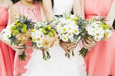 Rustic Garden Theme Wedding: Bridal Bouquets