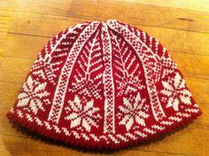 wolfpelt's Norwegian snowflake hat - pattern is free picot hem stranded snowflake hat by Kathleen Taylor
