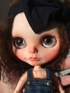 New eyechip for a new Blythe girl! Now Teodora, brown hair and brown eyes. Then Cordelia, blue hair and blue eyes.