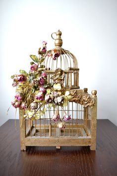 Antique Bird Cage / Please plant a flower and not a bird. Description from…