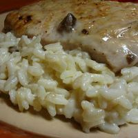 The fastbway: Pork chops, cream of mushroom soup, and rice. Brown the pork chops(I like to chop it in pieces first) stir in cream of mushroom soup then serve over rice. Slow cooker way: Throw in the chops with soup cook on low for hours. Serve over rice Oven Pork Chops, Pork Chops And Rice, Boneless Pork Chops, Baked Pork Chops, Easy Pork Chop Recipes, Pork Recipes, Cooking Recipes, Cooking Games, Rice