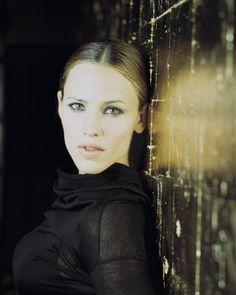 Sydney Bristow (Jennifer Garner) - my definition of beauty