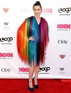 There are so many colours on her dress that you might just go colour blind!