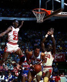 Michael Jordan skies for a monster block attempt