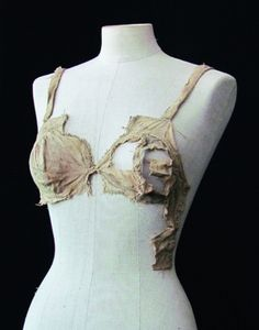 Breastbags found in Lengberg castle, the end of 15th century (ca 1480 ?), University of Innsbruck, photo University of Innsbruck