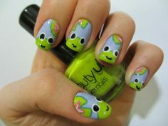 Froggy nails so cute