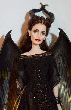 Beautiful remake of Angelina Jolie's Maleficent as a Barbie doll by Lulemee OOAK Doll Pop Art Celebrity Barbie Dolls, Disney Barbie Dolls, Maleficent, Fashion Royalty Dolls, Fashion Dolls, Pretty Dolls, Beautiful Dolls, Pop Art Fashion, Doll Repaint