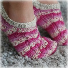 Knitted Slippers, Knitting Socks, Knit Socks, Mittens, Knit Crochet, How To Wear, Style, Watches, Diy