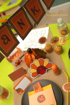 Printable Thanksgiving decorations that Chloe is making - so fun!