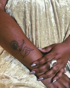 bluestone babe handpoked tattoos stick and poke tattoos brooklyn new york nyc bluestonebabe Black People Tattoos, Black Girls With Tattoos, Red Ink Tattoos, Cute Tattoos, Body Art Tattoos, Sleeve Tattoos, Tatoos, Girl Tattoos, Belly Tattoos