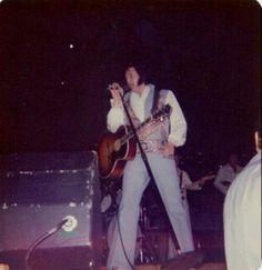 September 7, 1976 - Elvis In Concert - Pine Bluff, Arkansas -