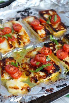 Halumi Cheese Recipes, Hallumi Recipes, Summer Recipes, Cooking Recipes, Grilled Halloumi, How To Grill Halloumi, Cooking Halloumi, Haloumi Cheese, Cheese Appetizers