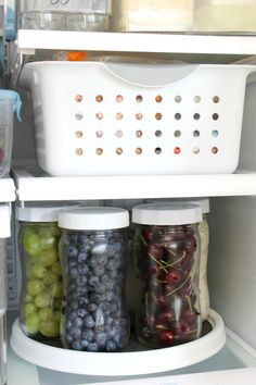 Use a lazy susan and mason jars to keep things easily organized in the fridge. organization fridge Fridge Organization Using Bins and Mason Jars - Clean and Scentsible Refrigerator Organization, Kitchen Organization Pantry, Home Organization, Organized Fridge, Clean Fridge, Healthy Fridge, Fridge Storage, Mason Jars, Mason Jar Crafts