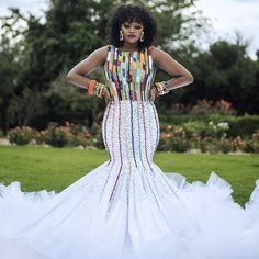 All the way from Zulu we bring to your screen this gorgeousness to inspire you your bridal fashion game. Zulu Traditional Wedding Dresses, Zulu Traditional Attire, South African Traditional Dresses, Wedding Dresses South Africa, African Wedding Attire, African Attire, Xhosa Attire, African Dresses For Kids, Latest African Fashion Dresses