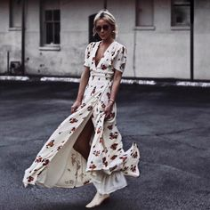 $100 Gorgeous Cream White Wrap Around Red Green Flower Floral Print Pattern T-Shirt Sleeve V-Neck Slit Detail Maxi Long Dress Tumblr
