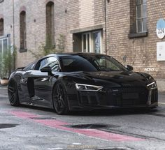 Audi Check out our friend for Classic Cars & more. He buys European classic cars . Supercars, Audi R8 Black, Audi R8 V10 Plus, Automobile, Aston Martin Vanquish, Car Goals, Super Sport Cars, Audi Cars, Audi S5