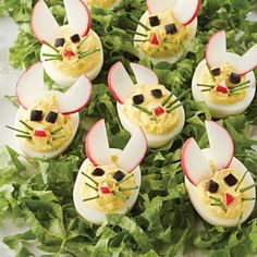 Set the tone of your Easter feast with these cute and easy appetizers. Tap or click photo for this Easy Bunny Devilled Eggs Set the tone of your Easter feast with these cute and easy appetizers. Tap or click photo for this Easy Bunny Devilled Eggs Easter Deviled Eggs, Bacon Deviled Eggs, Deviled Eggs Recipe, Easter Dinner, Easter Brunch, Easter Party, Easter Décor, Easter Food, Easter Table