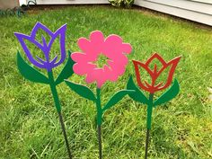 Purple Tulips, Pink Flowers, Garden Stakes, Yard Art, Metal Art, Flower Pots, This Is Us, Cnc Table, Nature