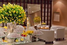 Yellow Tulips <3   Decor by Disegno Ambientes