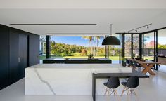 """Sarah Waller Design recently completed Doonan Glass House, a minimal and contemporary residence located in Doonan, suburb in Queensland, Australia. """"A glass pavilion style house for Sarah Waller an… Architecture Design, Minimalist Architecture, Architecture Interiors, Casa Kardashian, Küchen Design, Interior Design, Glass House Design, Glass Pavilion, Minimal Home"""
