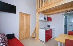 Apartment Orbanin 05 Pula Apartment Orbanin 05 offers accommodation in Pula, 2.2 km from Pula Arena and 2.2 km from Archaeological Museum in Pula. The property is 2.2 km from Gate of Hercules and free private parking is provided. Free WiFi is offered throughout the property.
