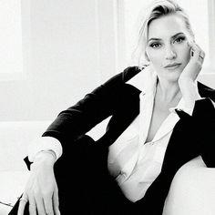 Kate Winslet Business Headshots, Business Portrait, Professional Headshots Women, Headshot Poses, Female Portrait Poses, Corporate Women, Photography Poses Women, Profile Photography, Kate Winslet