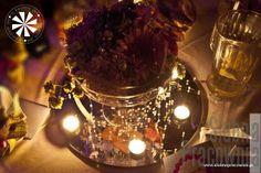 bukiety na lustrze stół weselny
