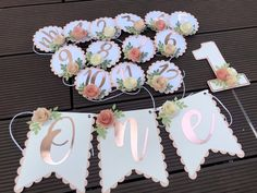 41 Ideas birthday banner floral decor for 2019 1st Birthday Balloons, 1st Birthday Themes, 1st Birthday Girls, Happy Birthday Banners, Diy Birthday, First Birthday Parties, Birthday Banner Ideas, Birthday Bouquet, Tropical Party Decorations