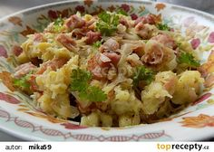 Garlic dumplings with smoked meat and onion cabbage recipe - TopRecepty. - Garlic dumplings with smoked meat and onion cabbage recipe – TopRecepty. Good Food, Yummy Food, Smoking Recipes, Cabbage Recipes, Smoking Meat, What To Cook, Dumplings, Tofu, Food Videos