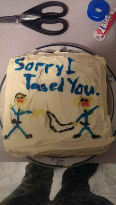For when you definitely misread the situation: | 33 Incredibly Specific Apology Cakes