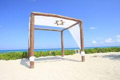 Special Jewish weddings on the beach at the El Dorado Royale. #destinationwedding