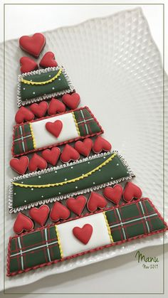 Christmas Cookie Platter 2019 - cookie by Manu biscotti decorati Quick Cookies, Iced Cookies, Cut Out Cookies, Royal Icing Cookies, Sugar Cookies, Cookies Et Biscuits, Christmas Tree Cookies, 3d Christmas, Christmas Desserts