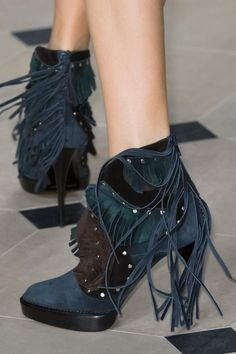 Burberry Prorsum Fall 2015 - Details