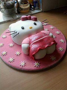 hello kitty birthday cake for girls Hello Kitty Torte, Hello Kitty Birthday Cake, Birthday Cake Girls, Birthday Cakes, Happy Birthday, Pretty Cakes, Cute Cakes, Yummy Cakes, Hello Kitty Themes
