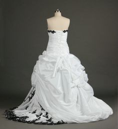 Cheap dresses for older women, Buy Quality sample requirements directly from China sample ribbon Suppliers:  2013 Sexy Fashion A-line V-neck Appliqued White Black Wedding Dress Real Sample Introduction:1)Premium Material & H