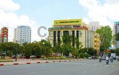 Tòa nhà cho thuê văn phòng nhỏ quận 1 IBC Building Địa chỉ: Công Trường Mê Linh, Quận 1 Số tầng: 1 trệt - 1 lững - 4 tầng cho thuê văn phòng Diện tích cho thuê: 40m2 - 50m2 - 70m2 - 80m2 Giá thuê: 270.600 VNĐ/m2 (ước tính 13.2 USD/m2) Phí dịch vụ: Chưa bao gồm 5 USD phí quản lý Thuế GTGT: Chưa bao gồm 10% VAT Phí gửi xe:  Tiền điện: Theo giá điện nhà nước Thời hạn thuê: Tối thiểu 2 năm Đặt cọc, thanh toán: 3 tháng, thanh toán 1 tháng/1 lần