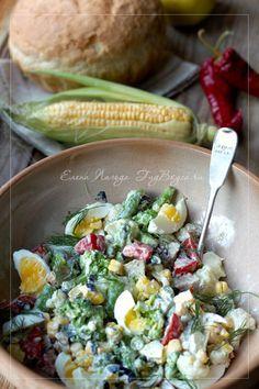 Салат с брокколи, цветной капустой и молодой кукурузой