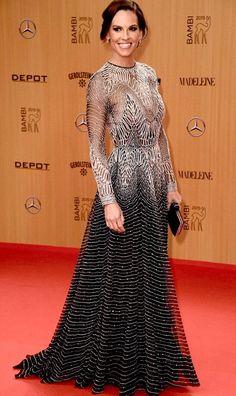 The gorgeous Hillary Swank wearing NK #F15.