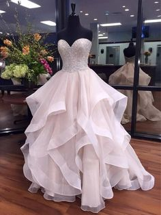 Ball Gown Sweetheart Organza Floor-length Beading Boutique Prom