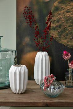 Váza White grooves | Bella Rose Nordic, Deco, Chalk Paint, Inspiration, Interior Decorating, Glass Vase, Home Deco, Vases Decor, Home Decor